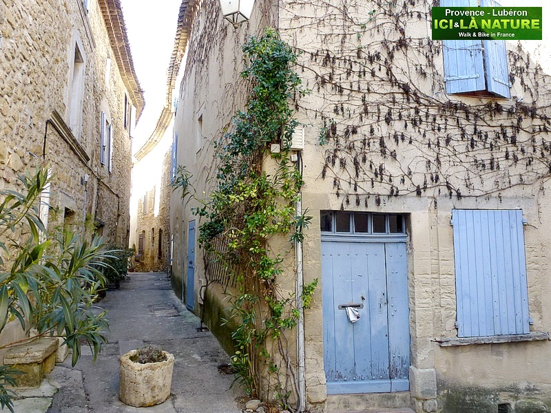 34-walking in provence