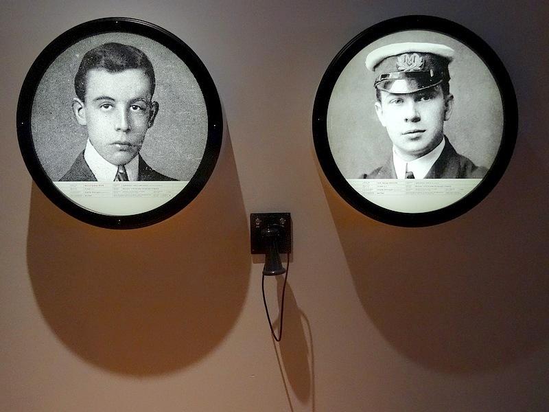 48- RMS Titanic Crew