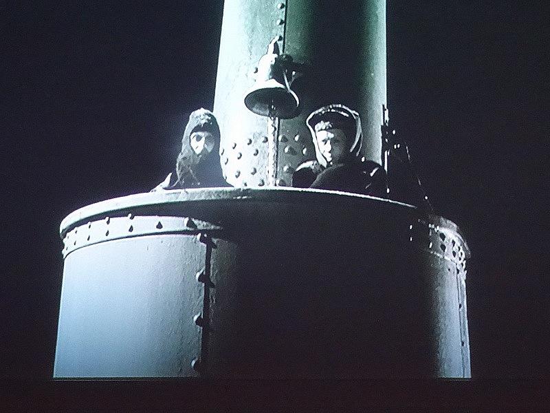 52- TITANIC LOOKOUTMEN STERN SINKING 1912