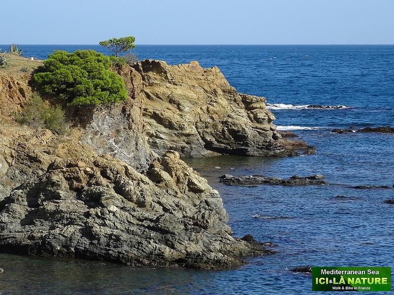17-walking holidays spain mediterranean sea