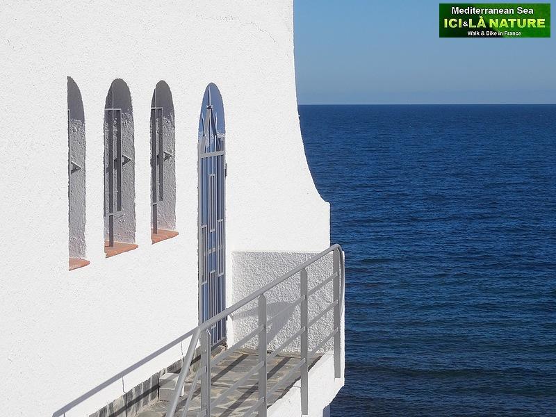 90-walk along mediterranean sea spain