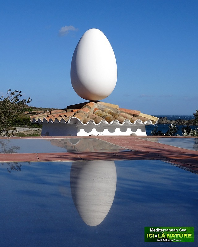 94-egg of the roof dali house
