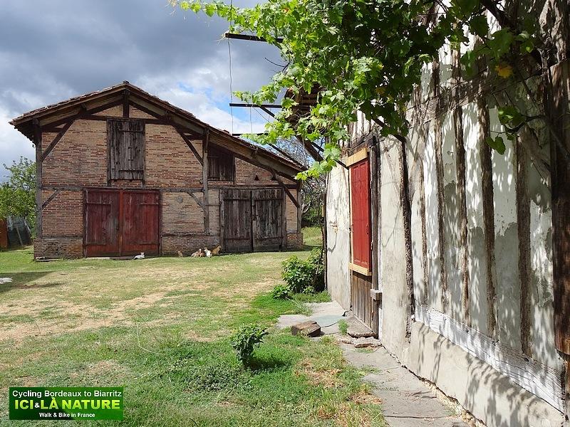 13- photo village landais