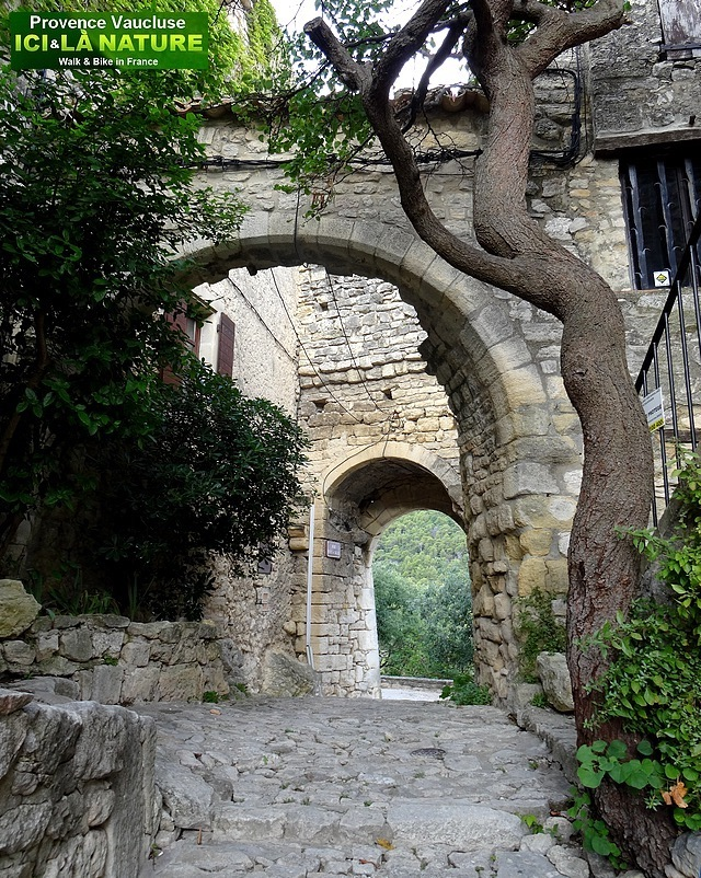 39-old village provence