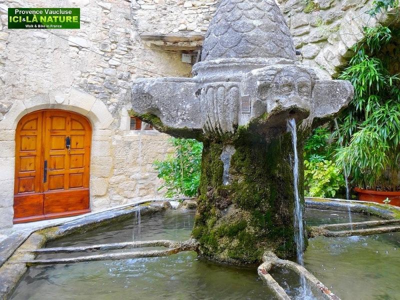 47-fontaine en provence