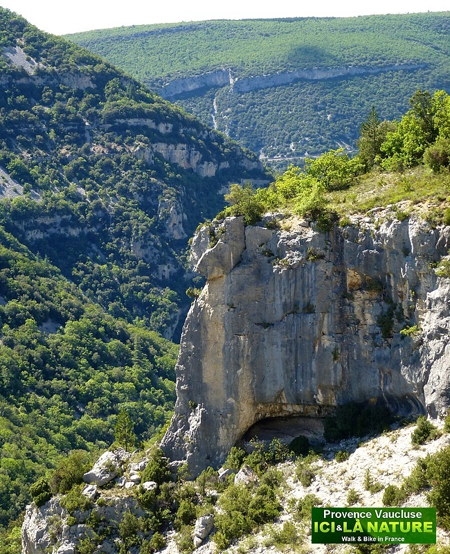 58-climbing mountains provence