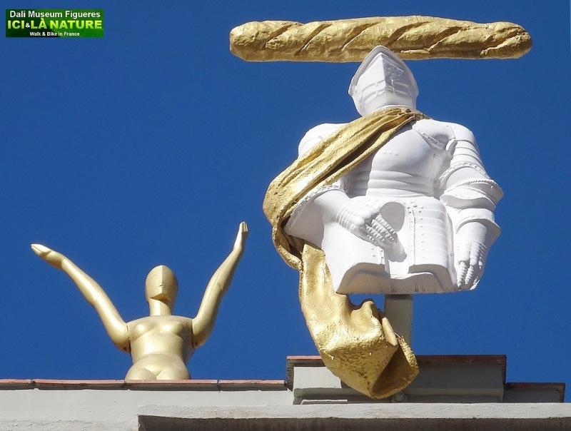 11-sculptures facade musee dali