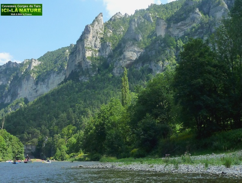 23-canoeing canyon france