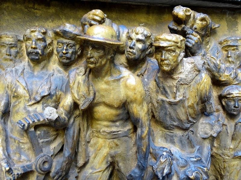 55-sculptures bronze dali spain