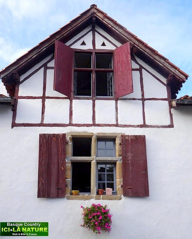 05-maisons du pays basque france