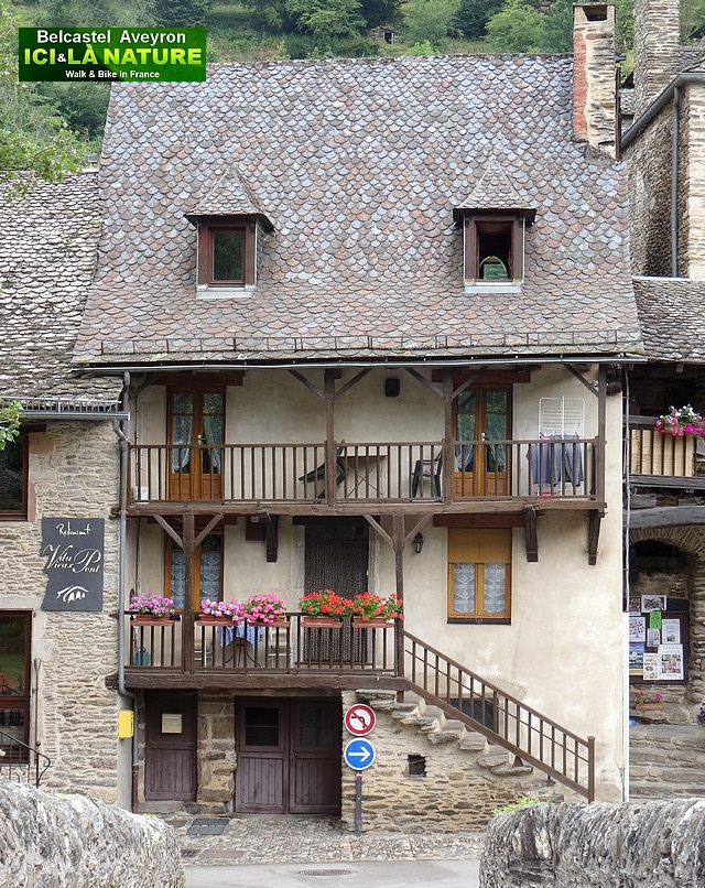 11-old medieval place france