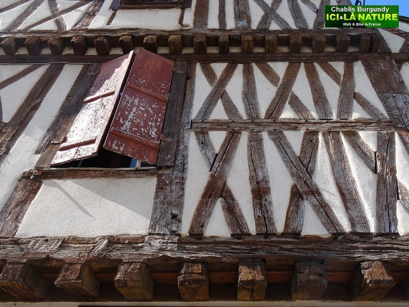 14-medieval house in france burgundy