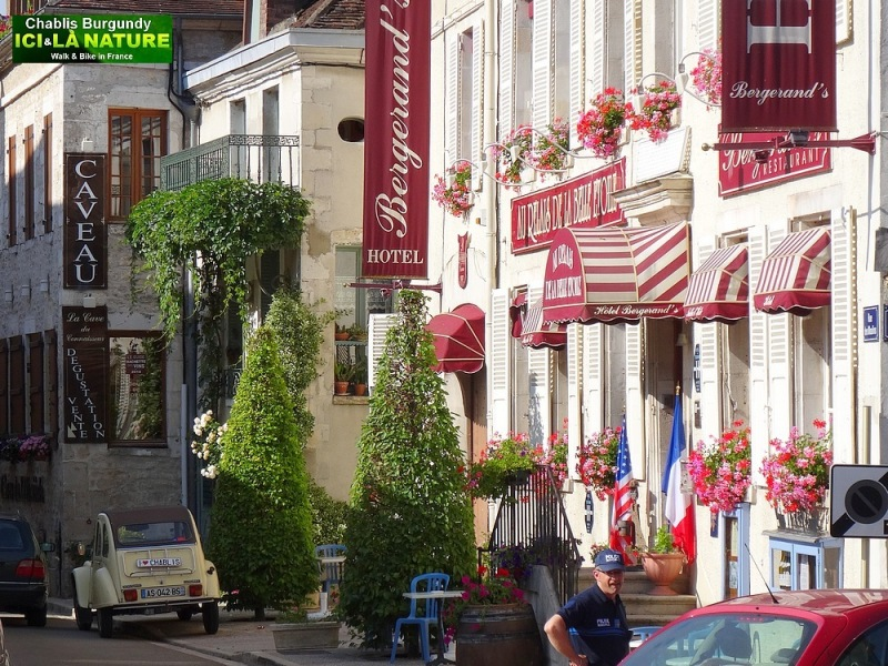21-hotel in chablis