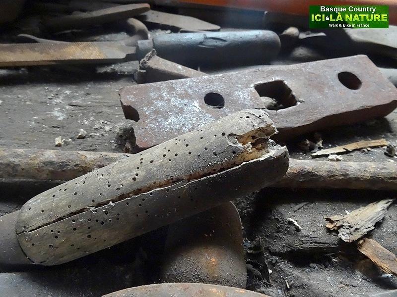 23- vieux outils forgeron
