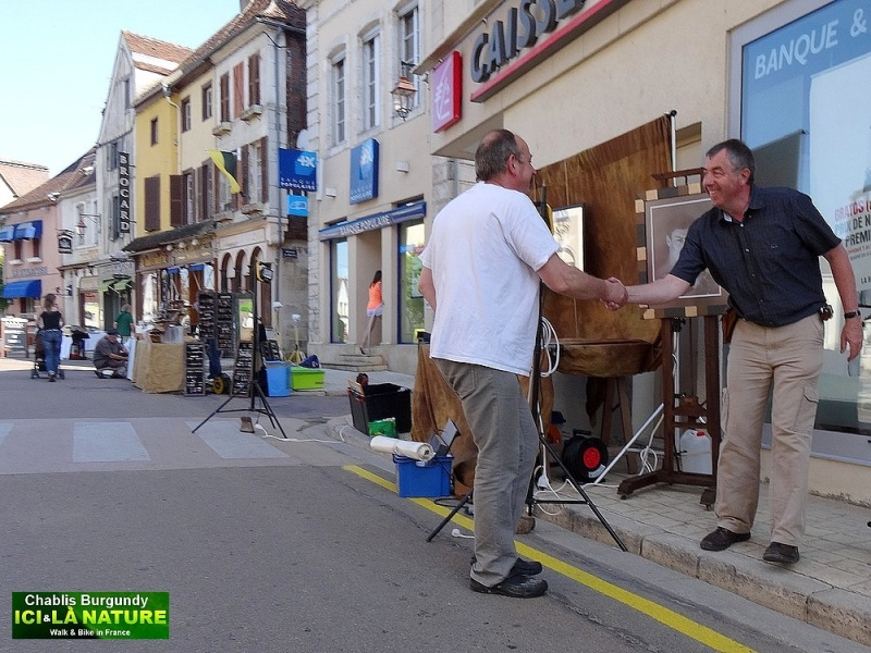 27-chablis streets france