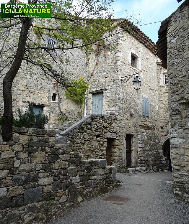 45- vieux village perché provence
