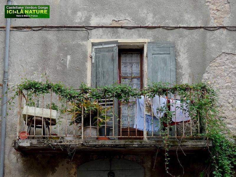 01-provence village castellane