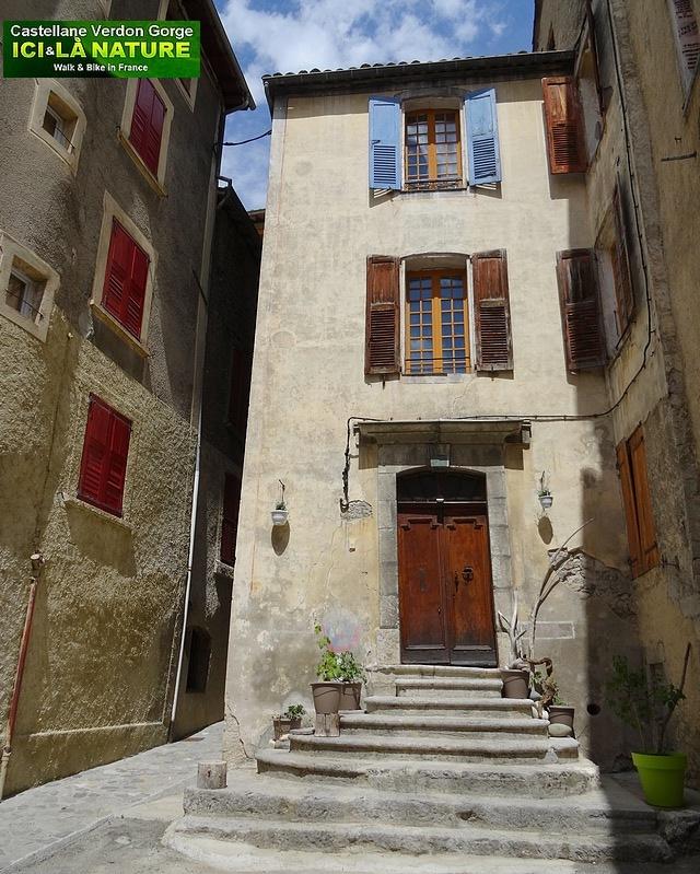 09-provence streets castellane