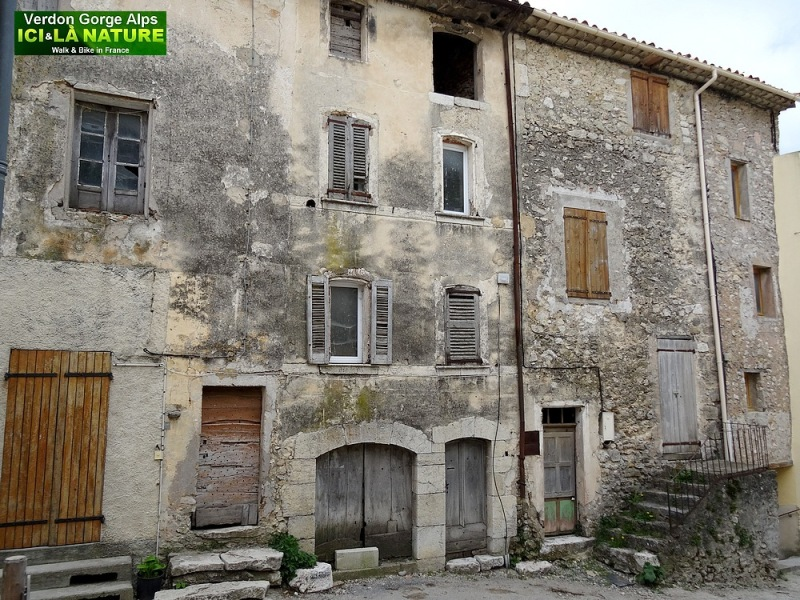 26-rougon houses in alps verdon