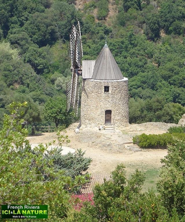 53-photo windmill provence