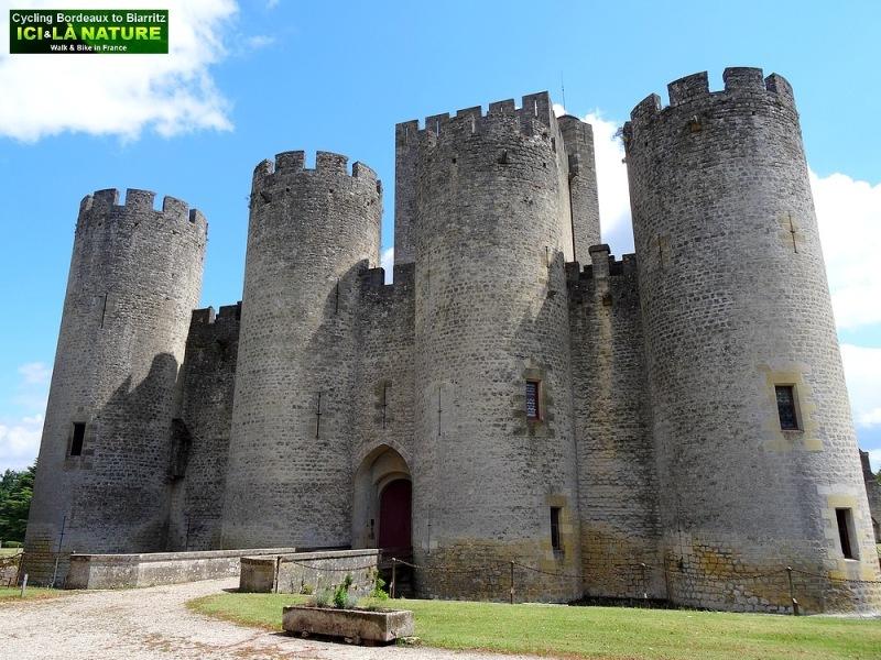 05-roquetaillade castle bordeaux