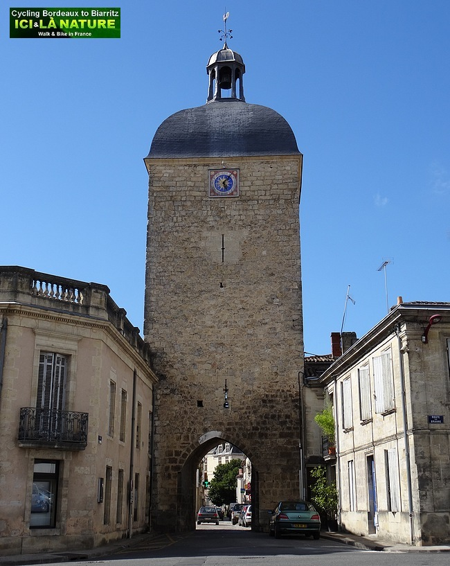 32-medieval town around bordeaux