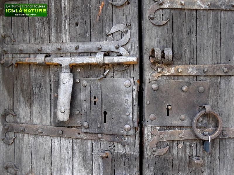 37-OLD DOOR PROVENCE