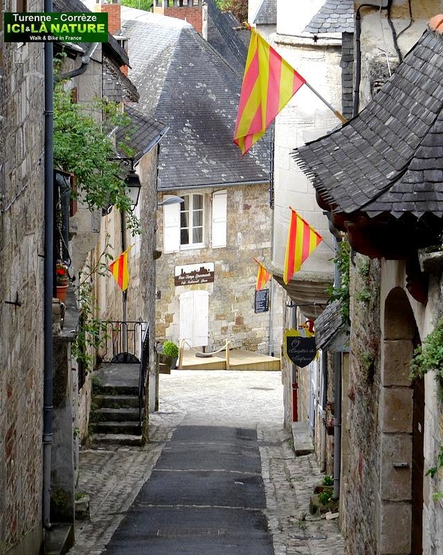 38-medieval street correze perigord