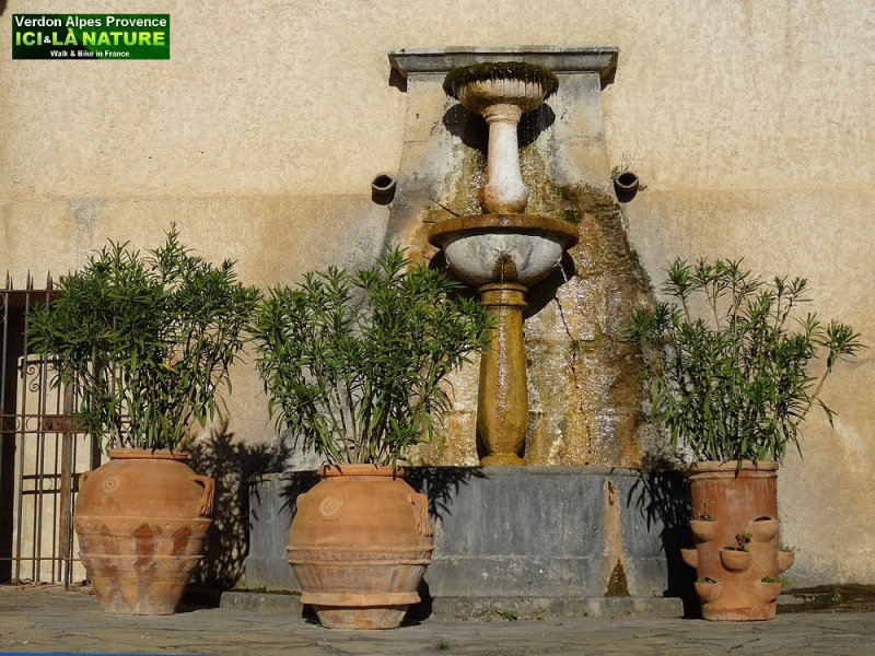 49-picture fountains provence image