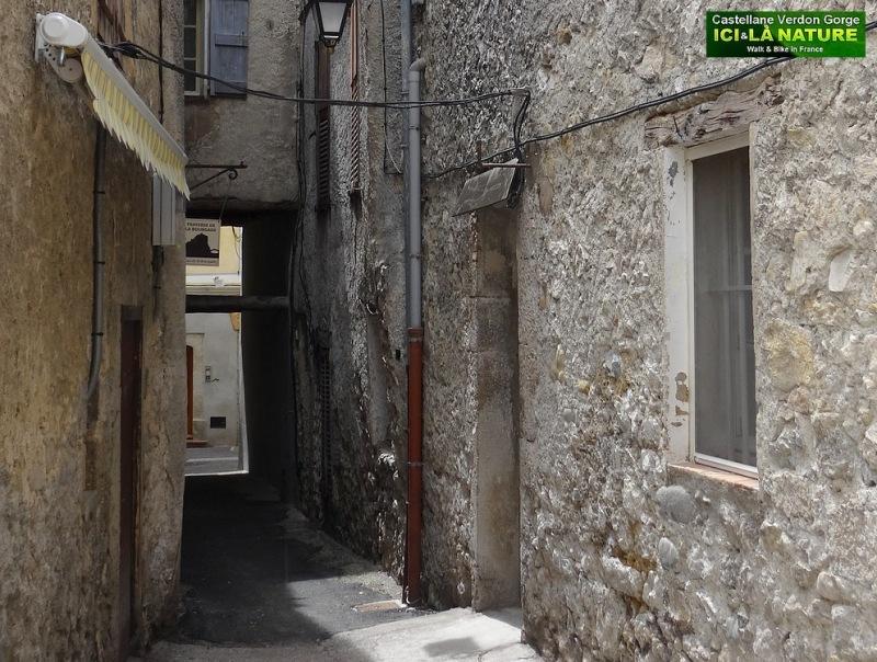 52-old street provence alps castellane