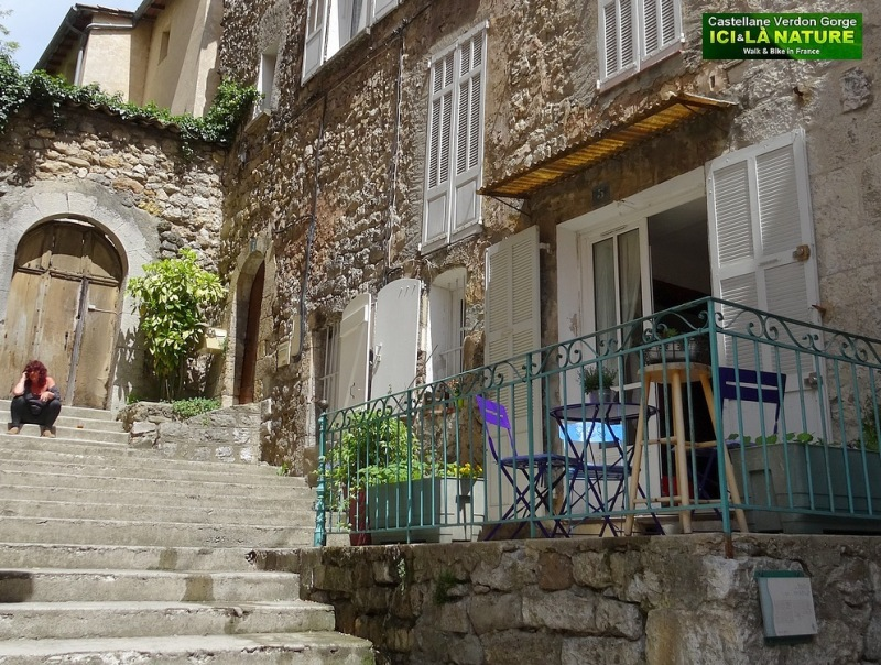 56-streets of provence