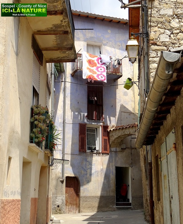 17- provence french riviera old village