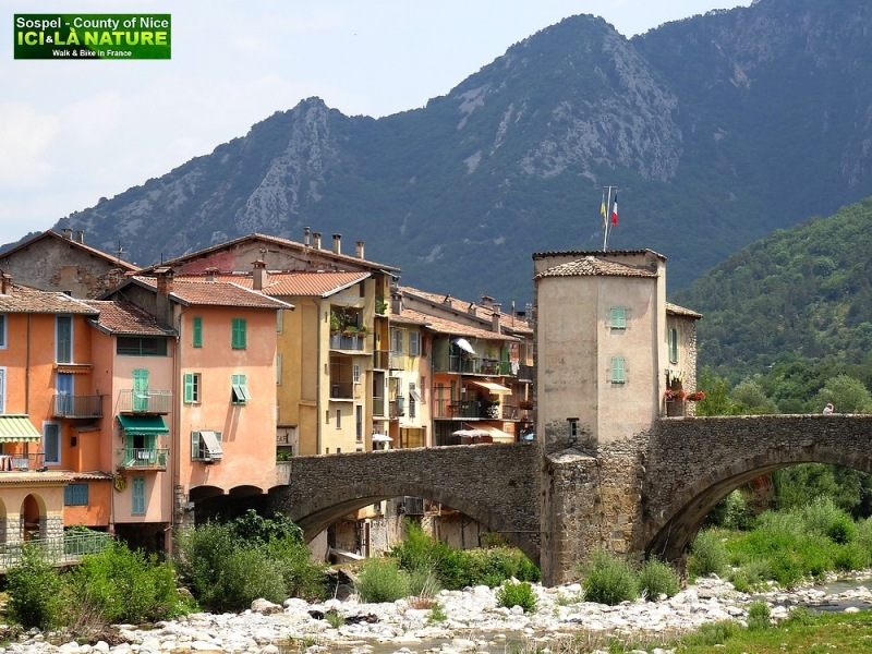 31-alps village mercantour