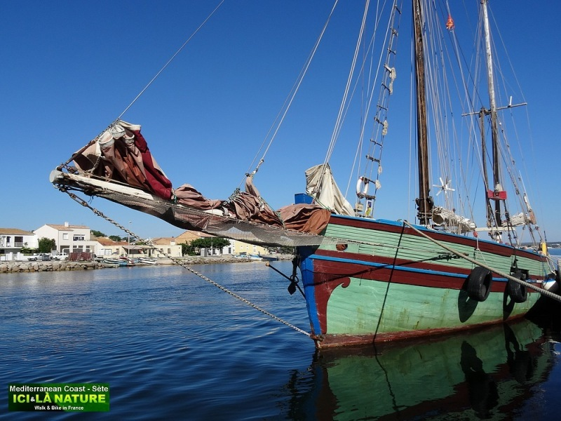 33-OLD BOAT IN MEDITERRANEE