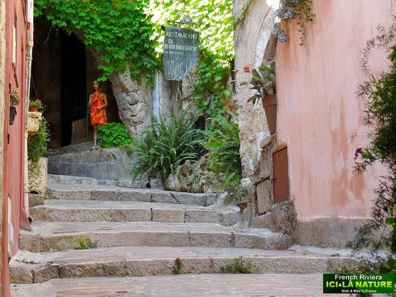 09- old village provence