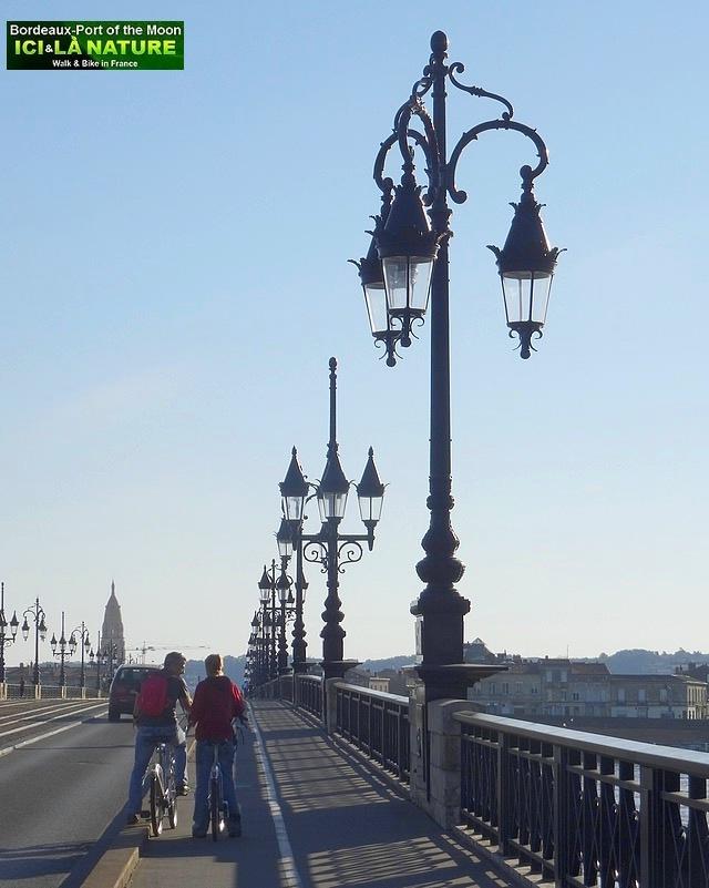 18-cycling tour bordeaux city vineyards
