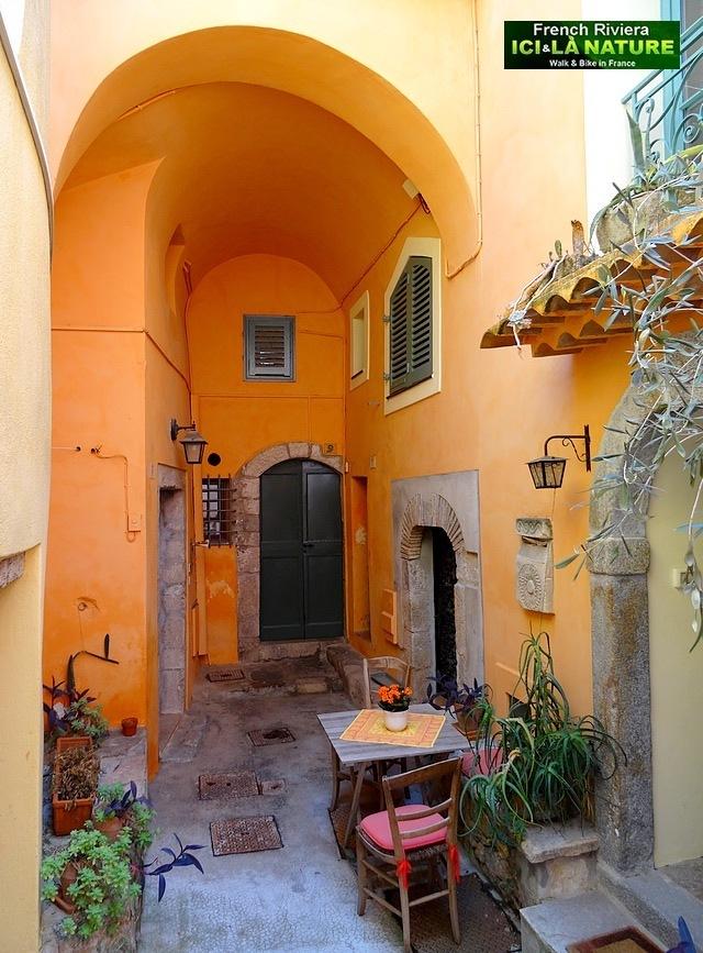 19-old village nice monaco