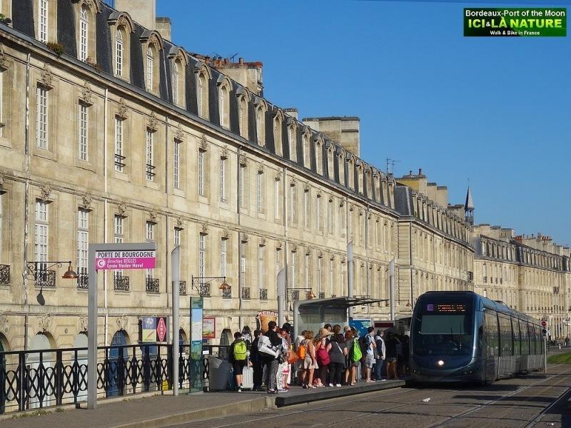 36- biking tour bordeaux city
