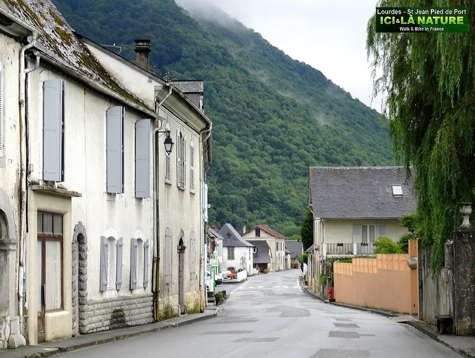 South france pyrenees on the way lourdes saint - St jean pied de port to santiago distance ...