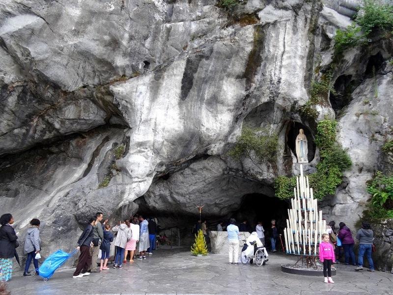 35-statue of notre dame de lourdes grotto
