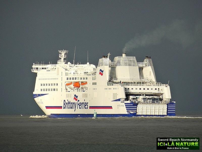 11-britanny ferries photos