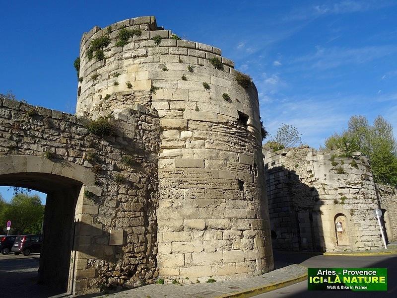 16-roman fortifications arles