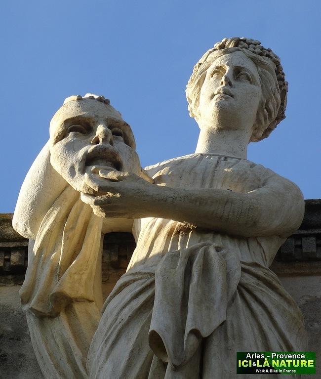 27-roman statue provence