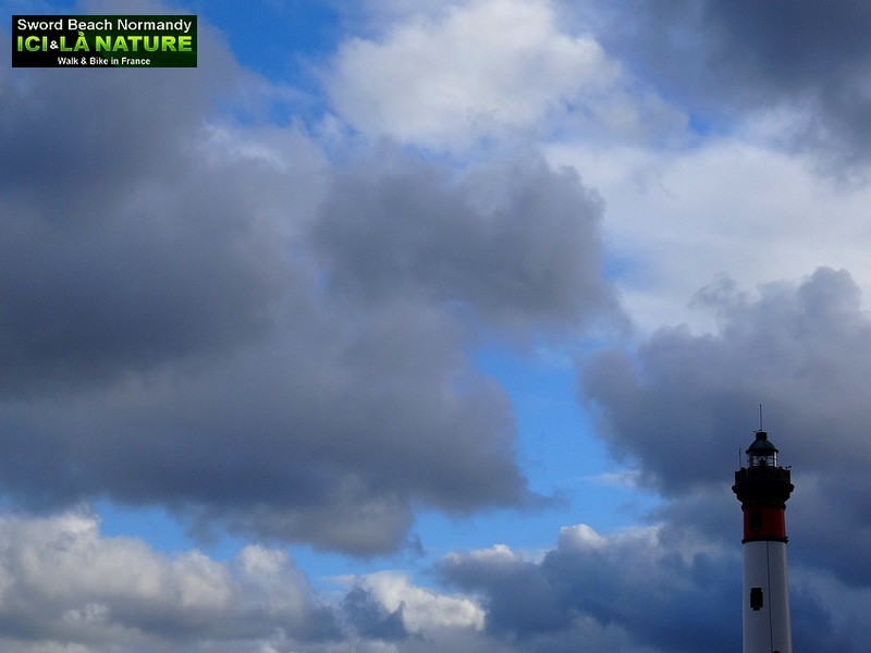 34-LIGHTHOUSE OUISTREHAM NORMANDY