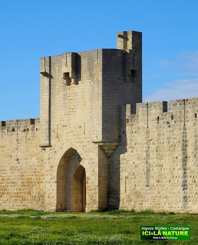 02-FORTIFIED CASTLE PROVENCE
