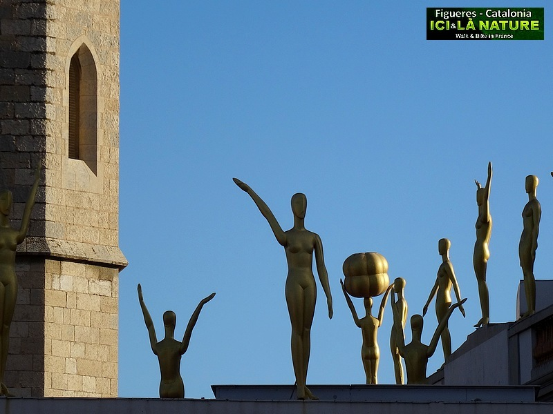 24-Dali Iglesia de San Pedro (Figueras)