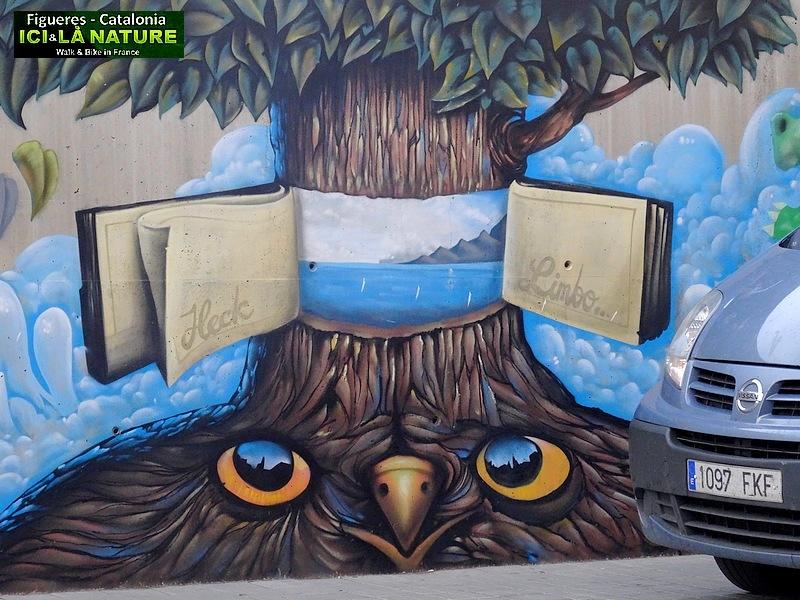 39-street art dali spain