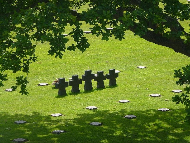 69-Deutsche Kriegsgräberstätte La Cambe