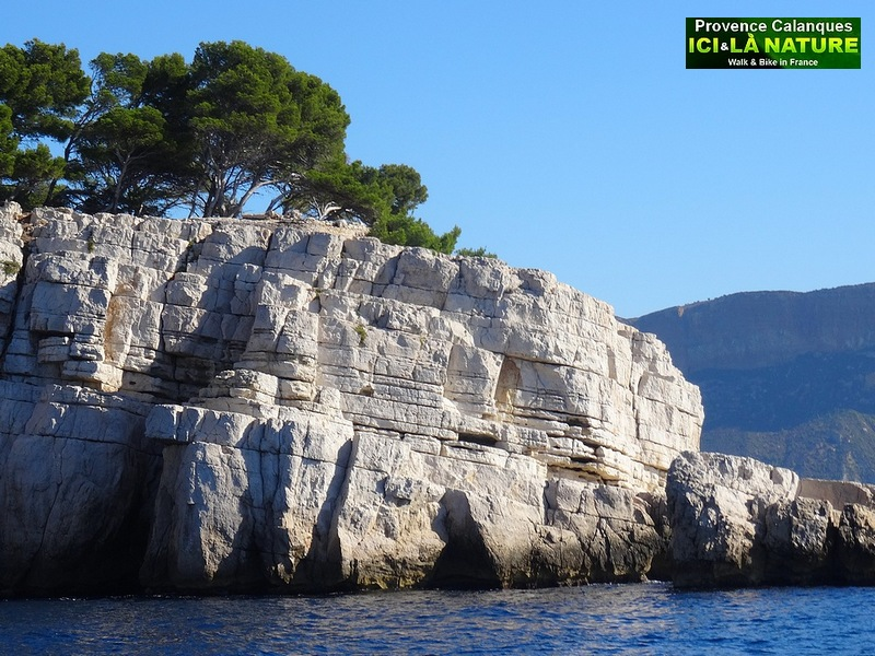 11- hiking provence cliffs