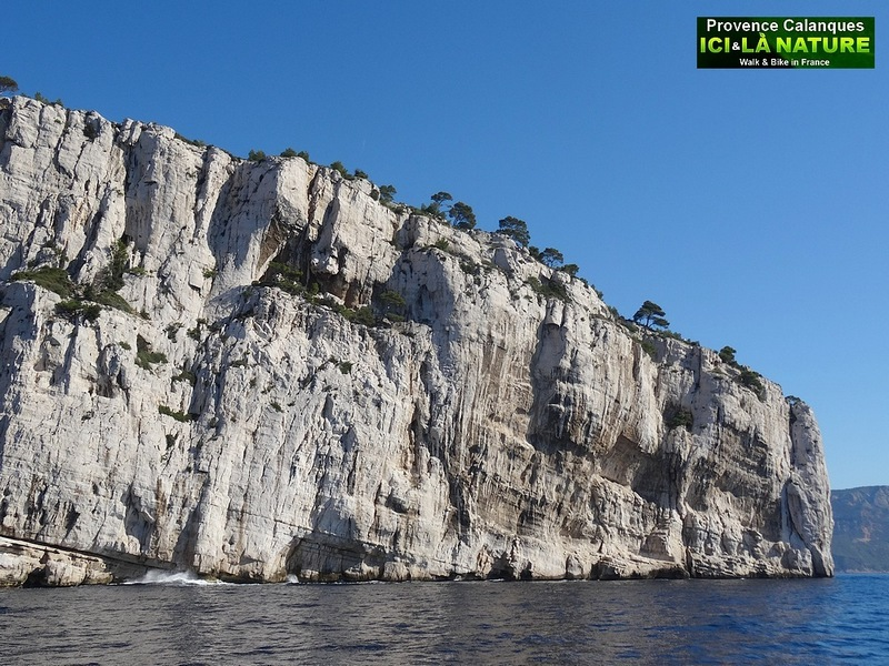 21-huge cliffs in france